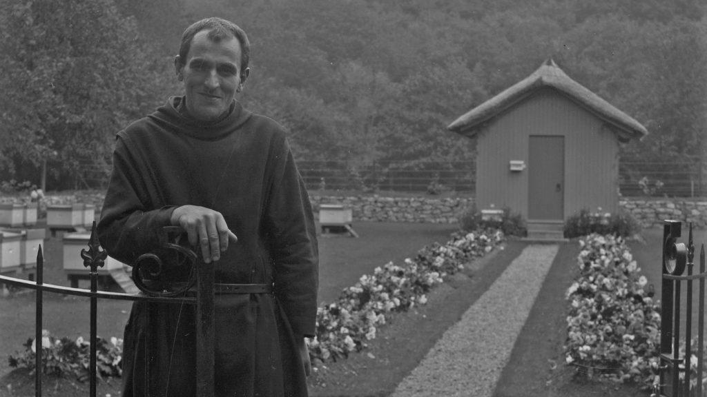 Frère Adam, faiseur de reines – Portail catholique suisse